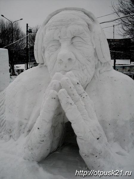 Скульптуры из снега и льда