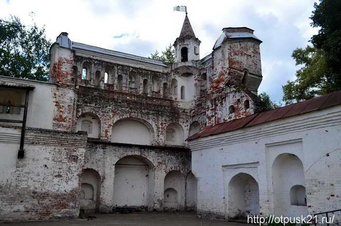 Вологодский кремль. Прогулка по Архиерейскому двору